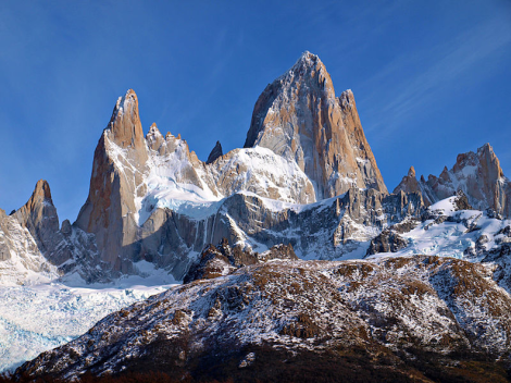 Mount Fitz Roy in Patagonia, Argentina, whose peaks inspired the Patagonia, Inc. logo. (Image: Todor Bozhinov)