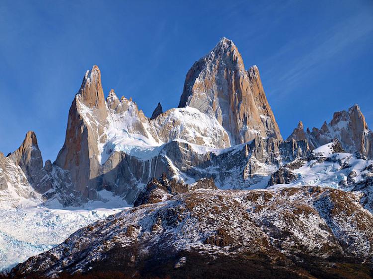 Mount Fitz Roy in Patagonia, Argentina, whose peaks inspired the Patagonia, Inc. logo. (Image: Todor Bozhinov)
